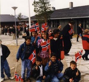 17. mai feiring i Alta. Bildet er fra Inger Bergmos flyktningearkivet  ved Finnmark fylkesbibliotek